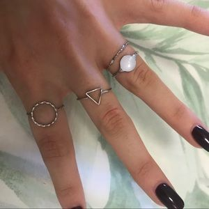 Jewelry - Dainty silver triangle ring